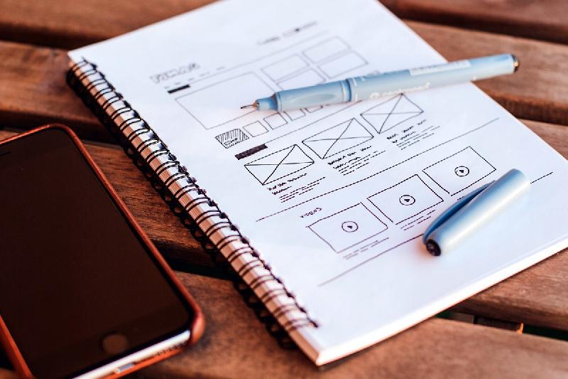 آشنایی با مهارتهای لازم برای طراحی UI را در آموزش تک